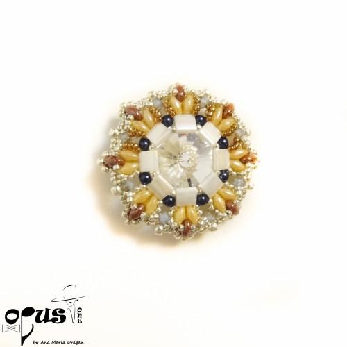 Padantiv floare cu cristale