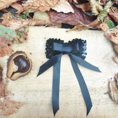 Brosa Vivid Black Bow Emotions