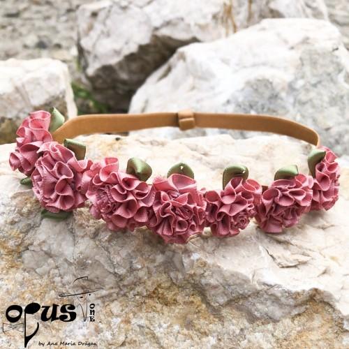 Bentita de par pentru fetite cu flori Mary