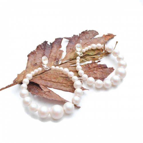 cercei eleganti handmade cu perle