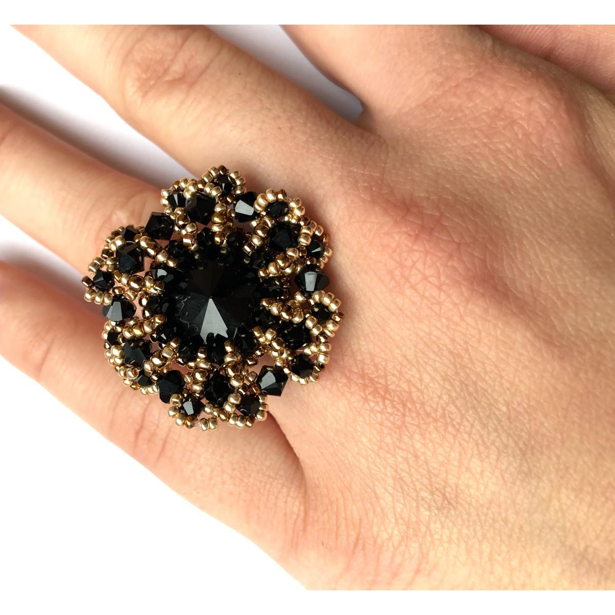Inel negru elegant cu cristale AVE
