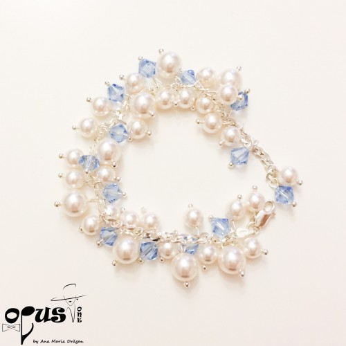 Bratara White Blue Pearls